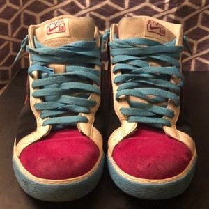 Nike Shoes - Nike 6.0